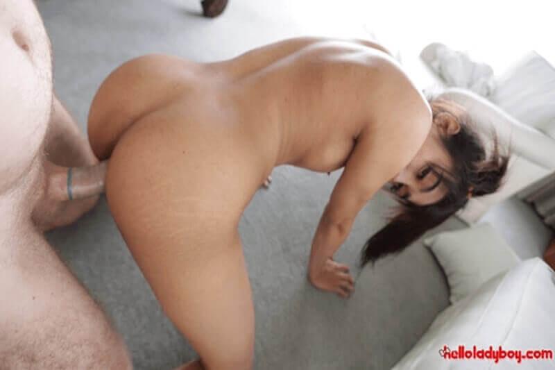 Geiles Arschfick Pornobild mit junger Shemale Schlampe aus Thailand