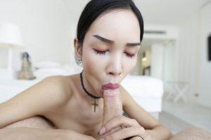 Private Sexbilder von sexy Transgirl beim Blasen